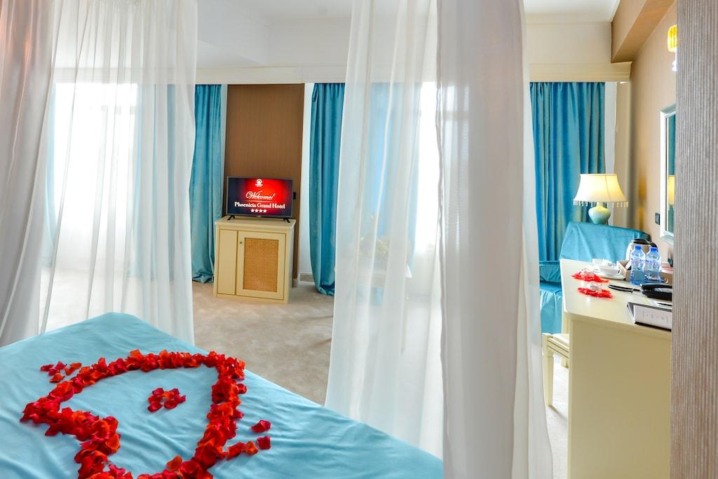 Camera Superioară cu Baldachin -Phoenicia Grand Hotel