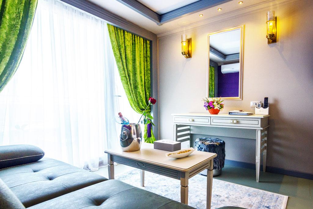 Belvedere - Family Room vedere zonă piscine -Phoenicia Blue View Resort
