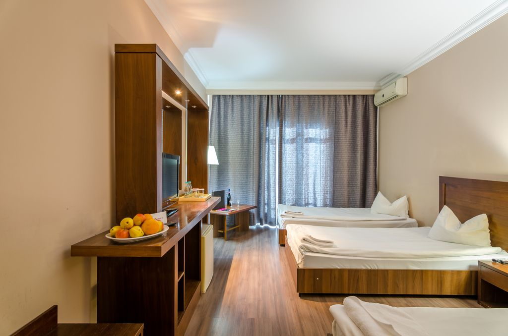 TRIPLE ROOM -Phoenicia Express