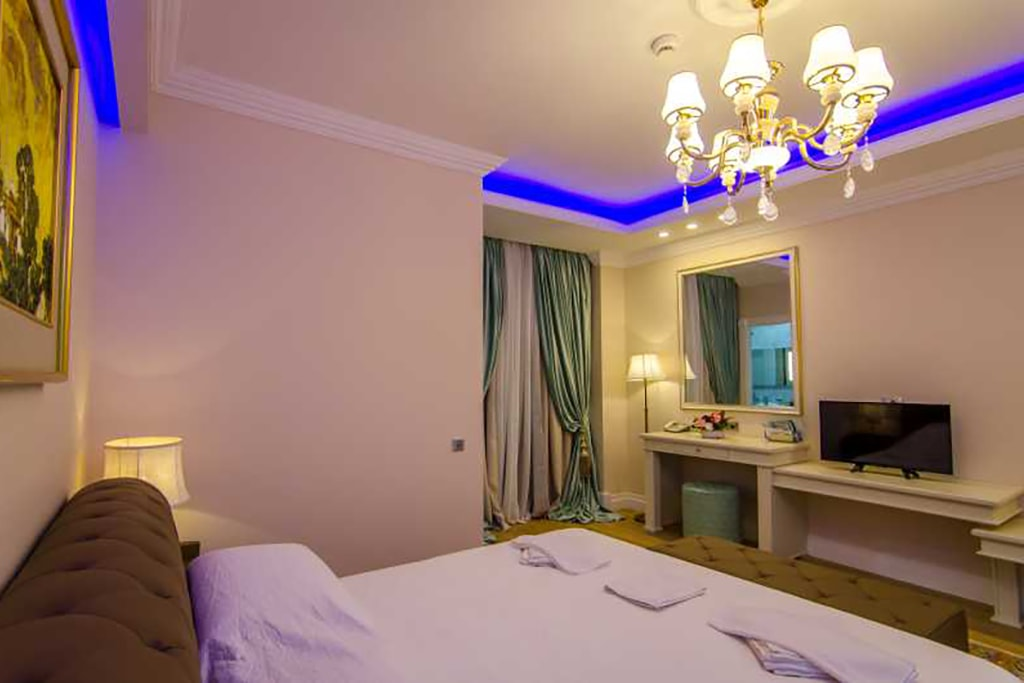 Junior Suite -Phoenicia Royal