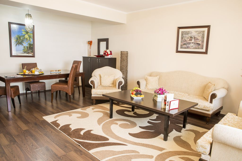 Apartament de trei dormitoare -Phoenicia Suites