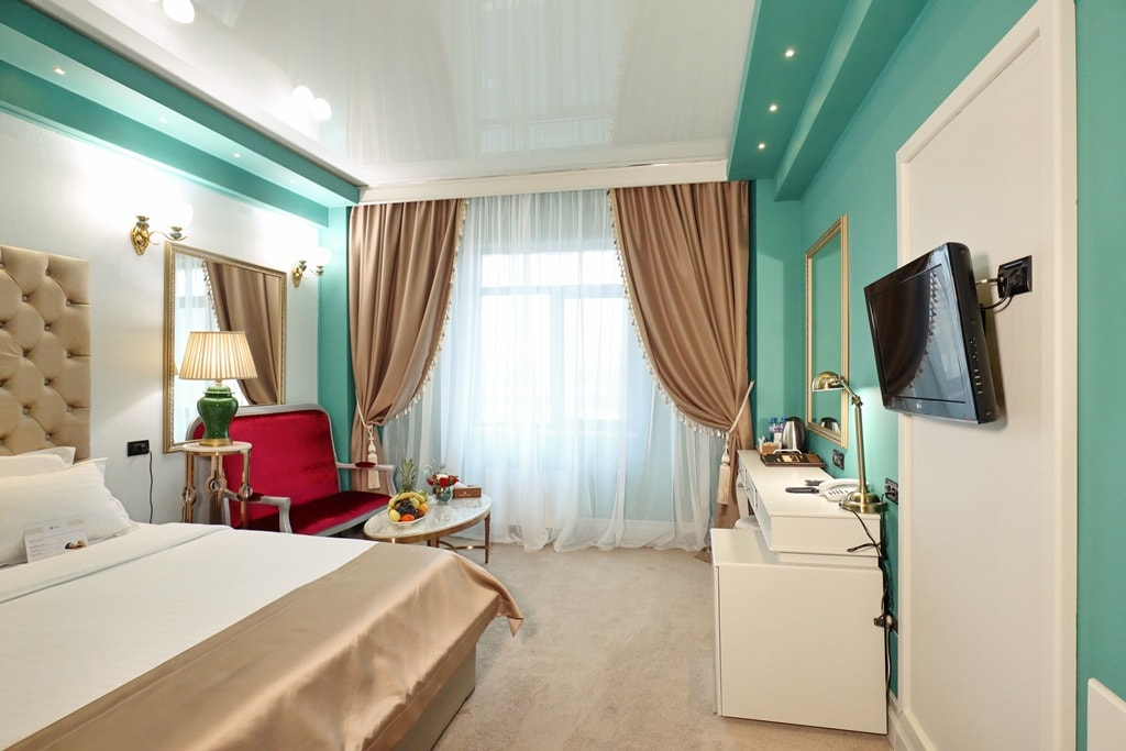 Business room -Phoenicia Grand Hotel