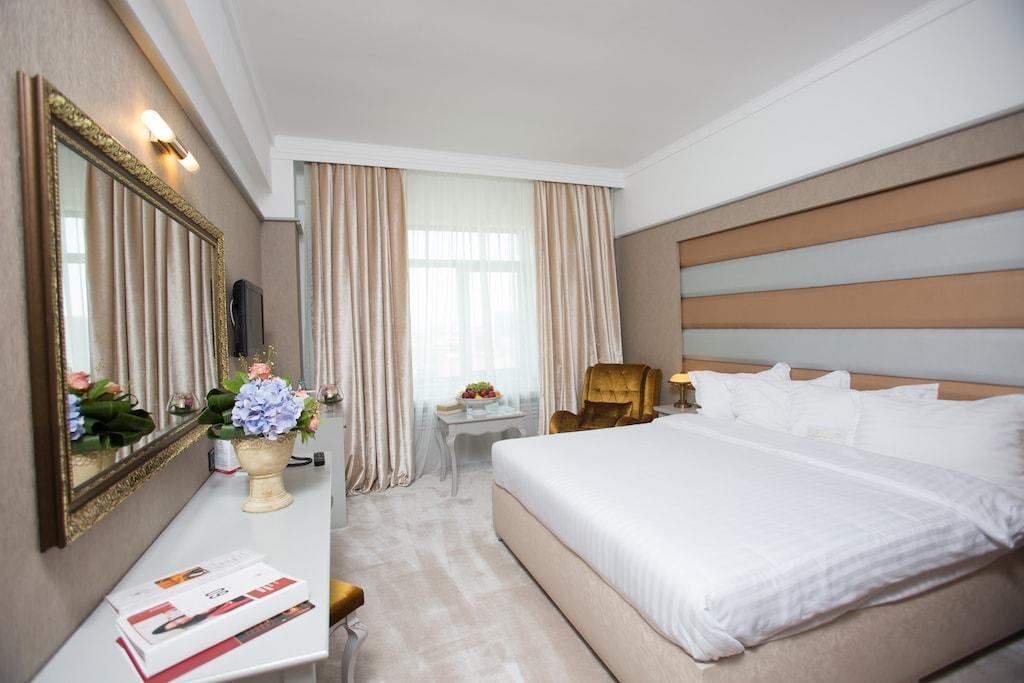 Camera Premium cu pat matrimonial -Phoenicia Grand Hotel